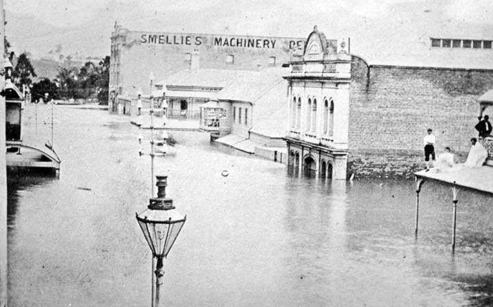 482_Edward_Street_Brisbane_during_the_1893_flood